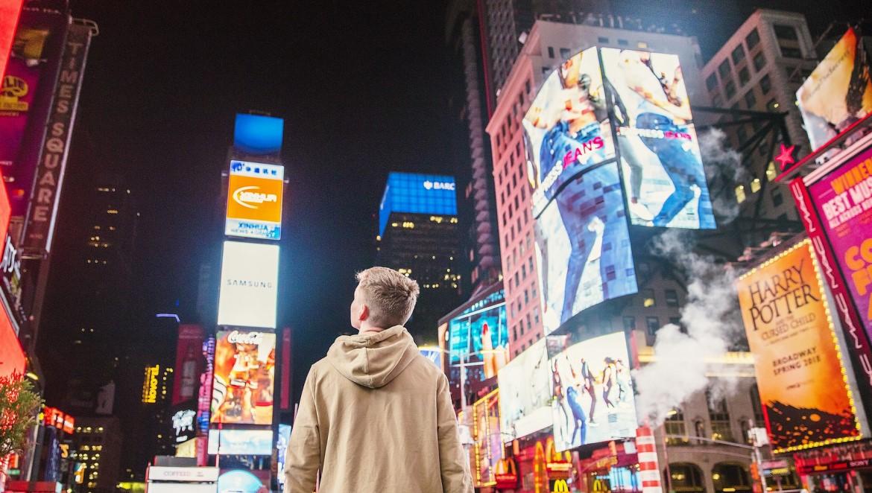 lauko reklama ekranai